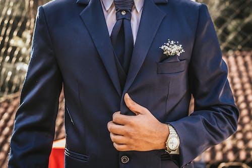 Darmowe zdjęcie z galerii z elegancki, formalny, garnitur, krawat