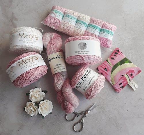 剪刀, 粉紅色, 紗, 羊毛 的 免费素材照片