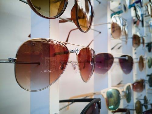 Occhiali Da Sole In Colori Assortiti