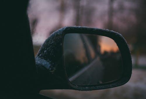 Kostenloses Stock Foto zu atmosphäre, auto, draußen, fahrt