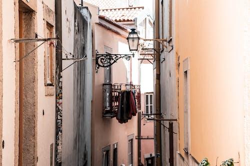 Fotos de stock gratuitas de al aire libre, apartamento, arquitectura, balcón