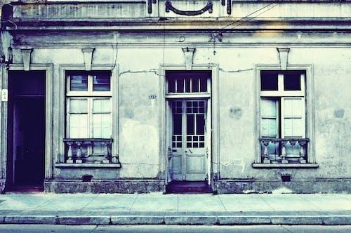 Ilmainen kuvapankkikuva tunnisteilla antiikki, arkkitehtuuri, autio, ikkunat