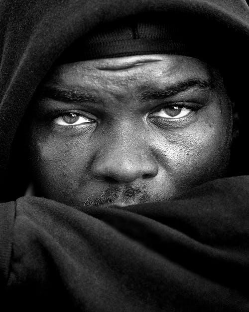 Fotos de stock gratuitas de blanco y negro, desgaste, expresión facial, hombre