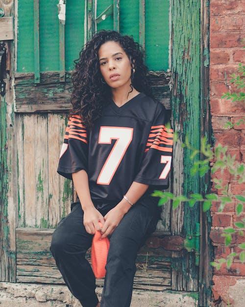 Darmowe zdjęcie z galerii z atrakcyjny, czarna kobieta, człowiek, dama