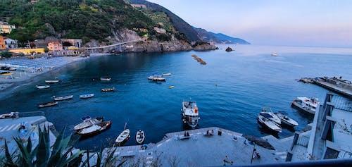 Photos gratuites de barque, bateaux, bord de l'eau, bord de l'océan