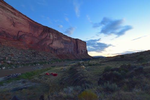 Immagine gratuita di alba, blm, campeggio, campeggio rocce nere
