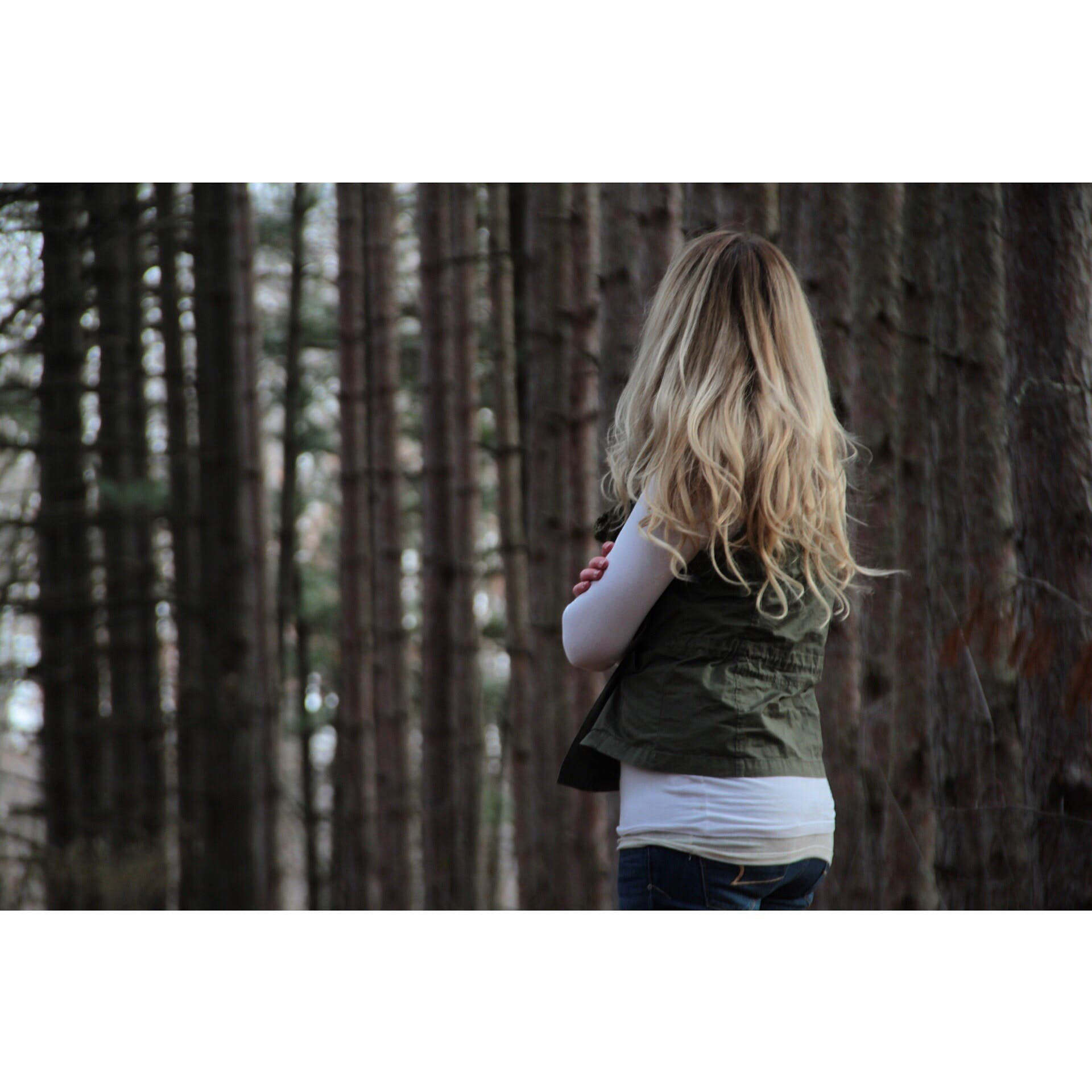 Kostenloses Stock Foto zu bäume, blond, fashion, frau
