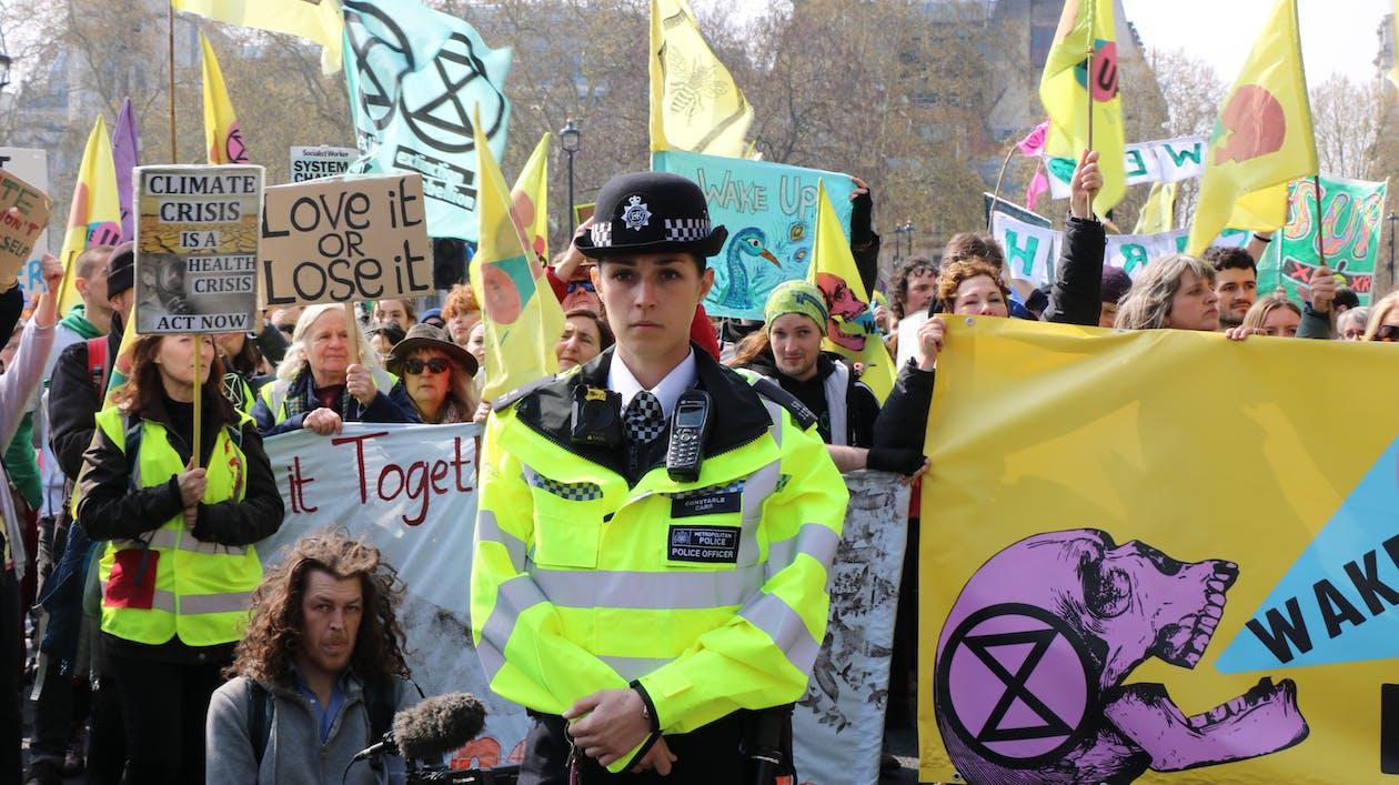 Free stock photo of extinction rebellion, london, police offer
