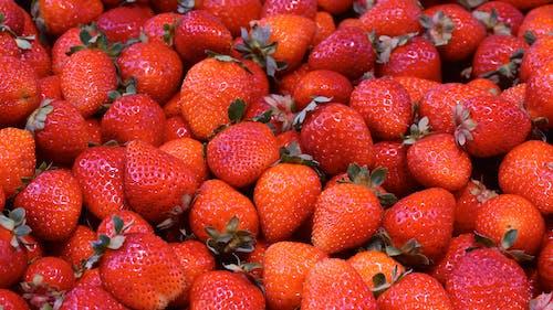 Gratis stockfoto met aardbei, aardbeien, achtergrond, close-up