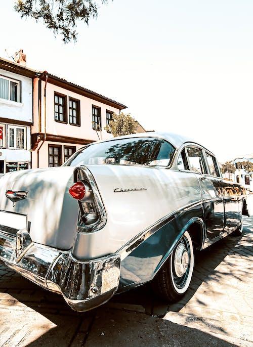 Foto d'estoc gratuïta de antic, automòbil, automoció, brillant