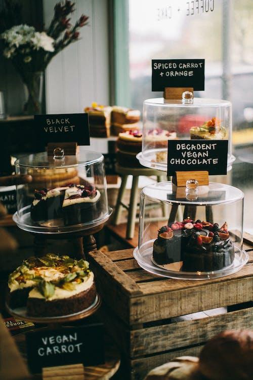 Gratis stockfoto met bakken, binnen, binnenshuis, chocoladecake