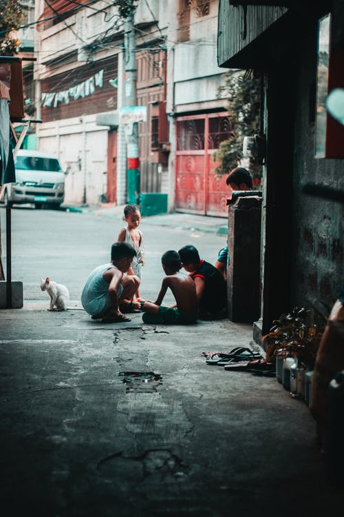 Gratis lagerfoto af asiatisk, barn, gade, gadehjørne
