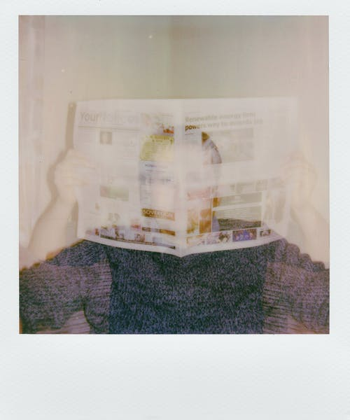 Imagine de stoc gratuită din citind, fotografie, om, persoană