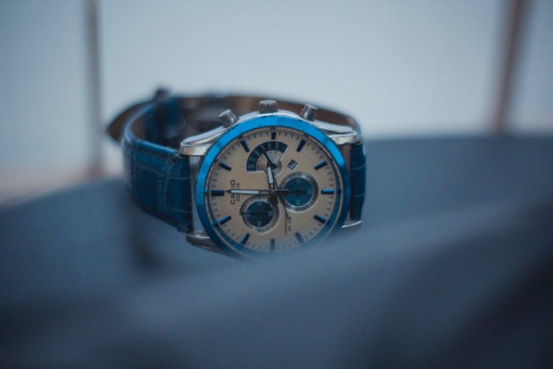 Základová fotografie zdarma na téma analogové hodiny, fotografování produktů