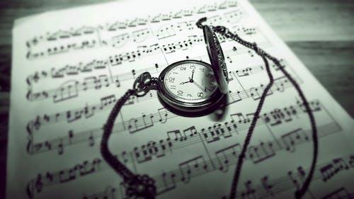 Základová fotografie zdarma na téma čas, časovač, černobílá, hudební noty