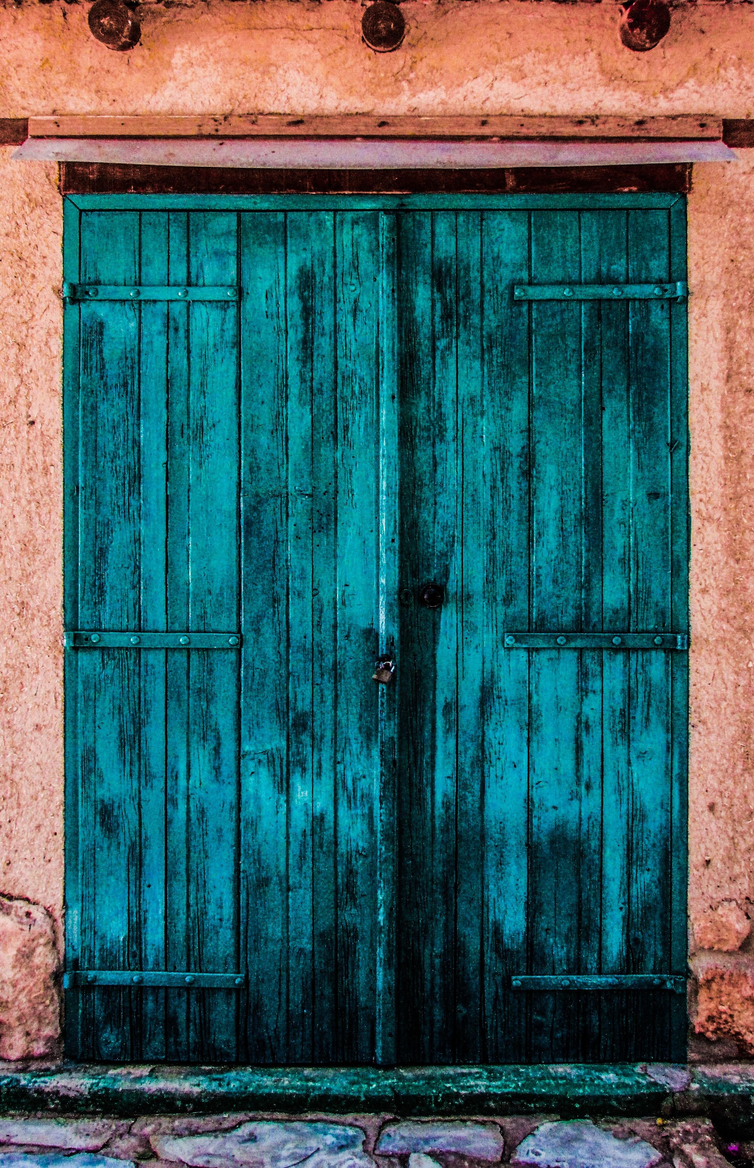 brown wooden window frame during daytime  u00b7 free stock photo