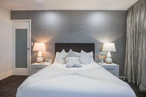 Fotobanka sbezplatnými fotkami na tému domáci dekor, domáci interiér, pohodlný domov, spálňa
