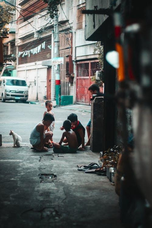 Gratis lagerfoto af børn, folk, gade, gruppe