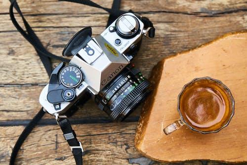 Ilmainen kuvapankkikuva tunnisteilla analoginen kamera, analoginen valokuvaus, elokuva-valokuvaus, kahvi
