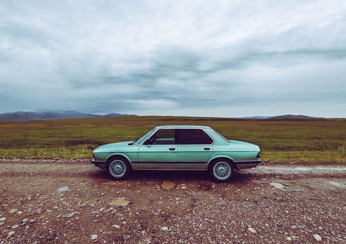Foto stok gratis forrest, gunung, langit, mobil klasik
