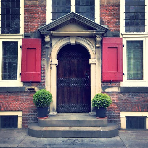 Immagine gratuita di architettura, edificio, facciata, finestre