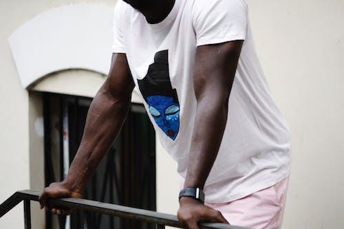 คลังภาพถ่ายฟรี ของ กล้ามเนื้อ, การออกกำลังกาย, คน, ชายผิวดำ
