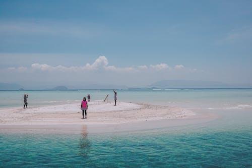 Foto profissional grátis de céu, céu azul, ilha, ilha da praia