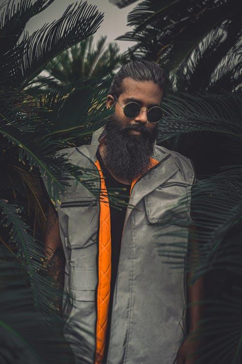 Fotobanka sbezplatnými fotkami na tému brada, bunda, dioptrické okuliare, editoriál