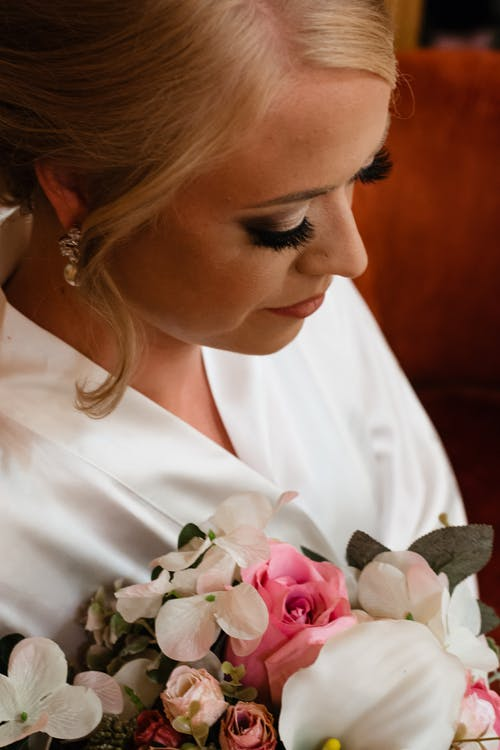 Free stock photo of big eyes, blonde, bouquet, bride