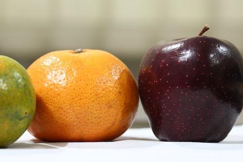 apple, meyve, Portakal içeren Ücretsiz stok fotoğraf