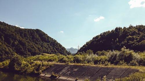 Foto stok gratis bendungan, bukit, pegunungan