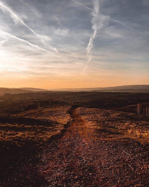 açık hava, akşam karanlığı, çöl, doğa içeren Ücretsiz stok fotoğraf