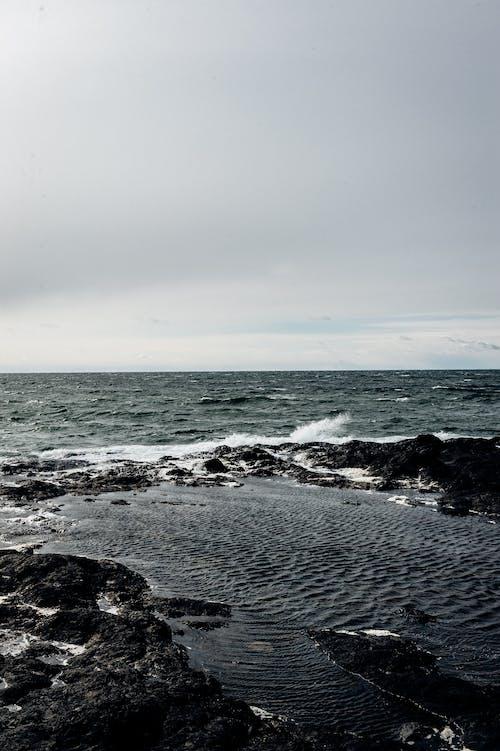 Fotobanka sbezplatnými fotkami na tému chladný, exteriéry, jazero, kývať