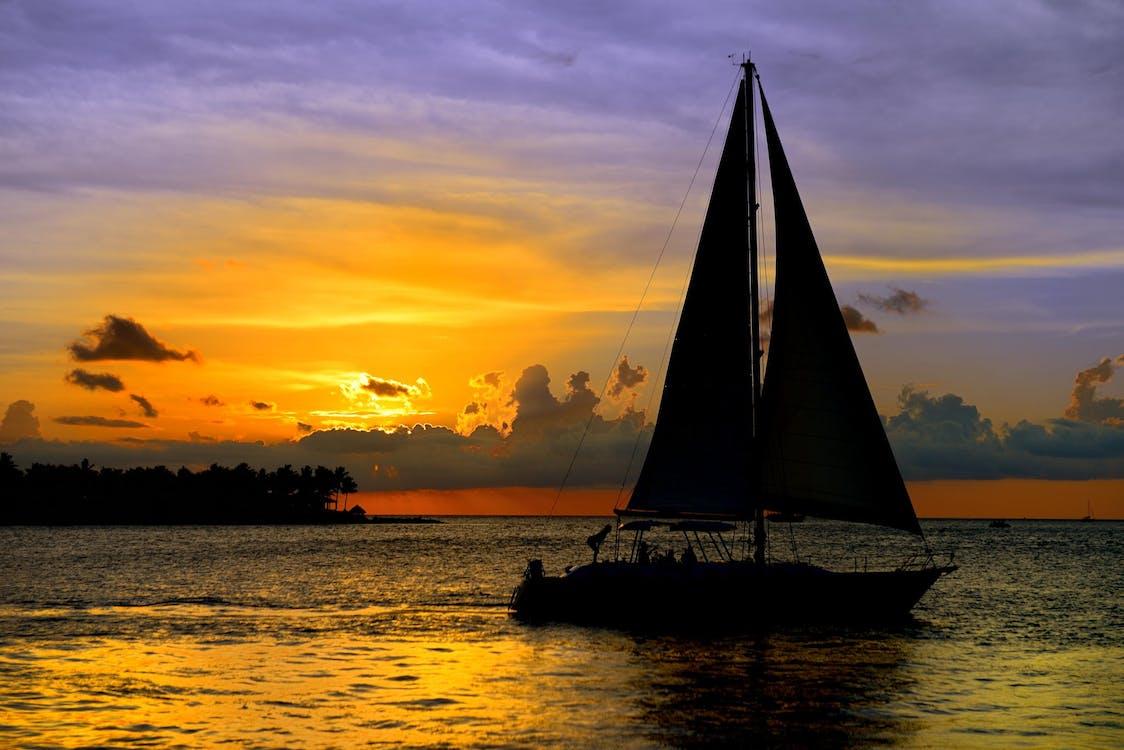krajina pri mori, leto, loď