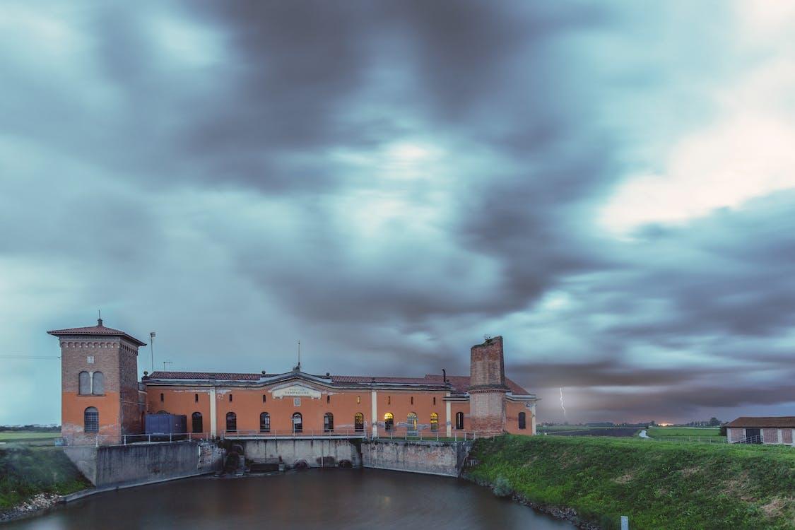 błyskawica, burza z piorunami, hydroelektryczny