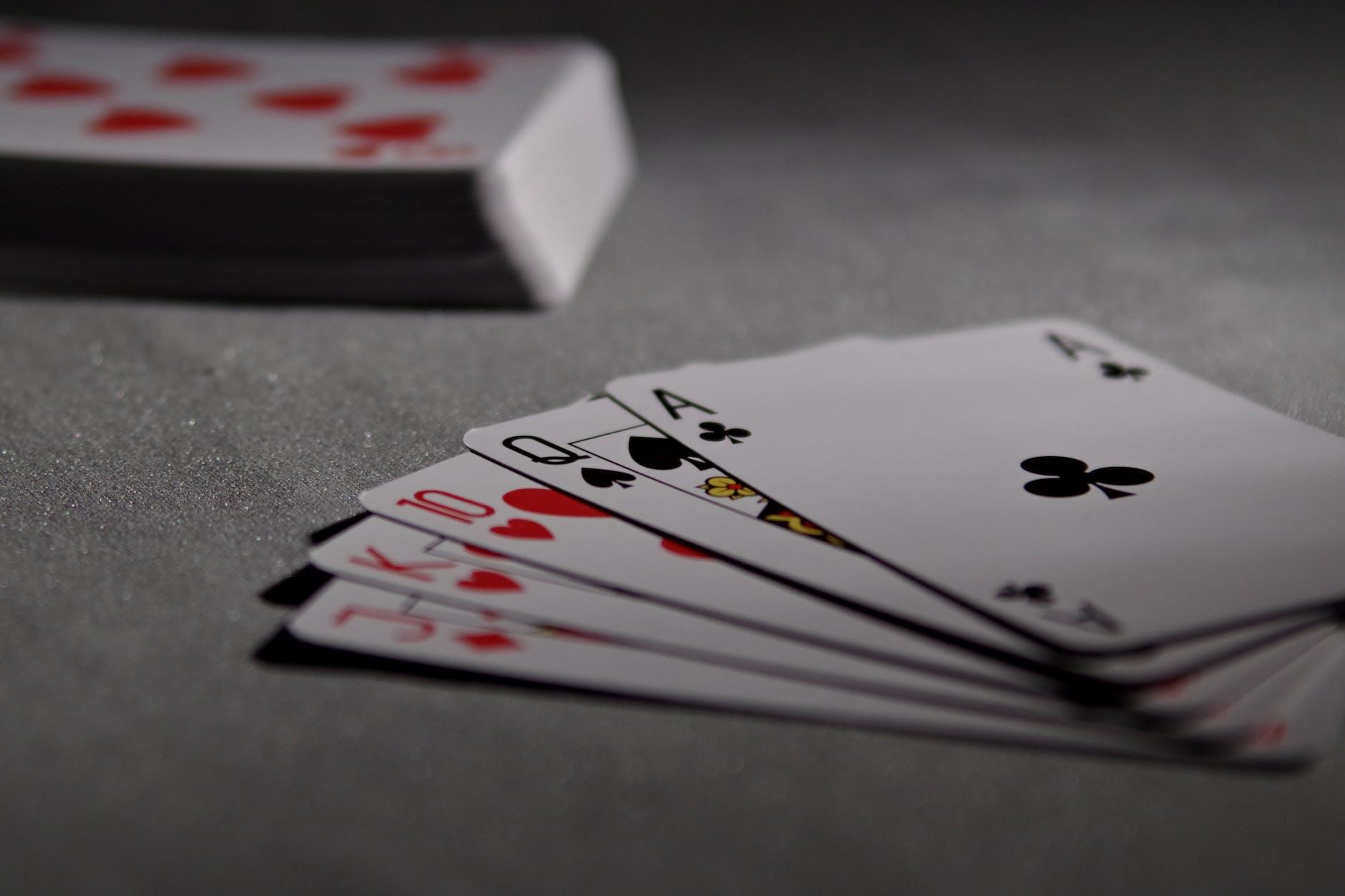Een straight is een van de mogelijke pokerhanden
