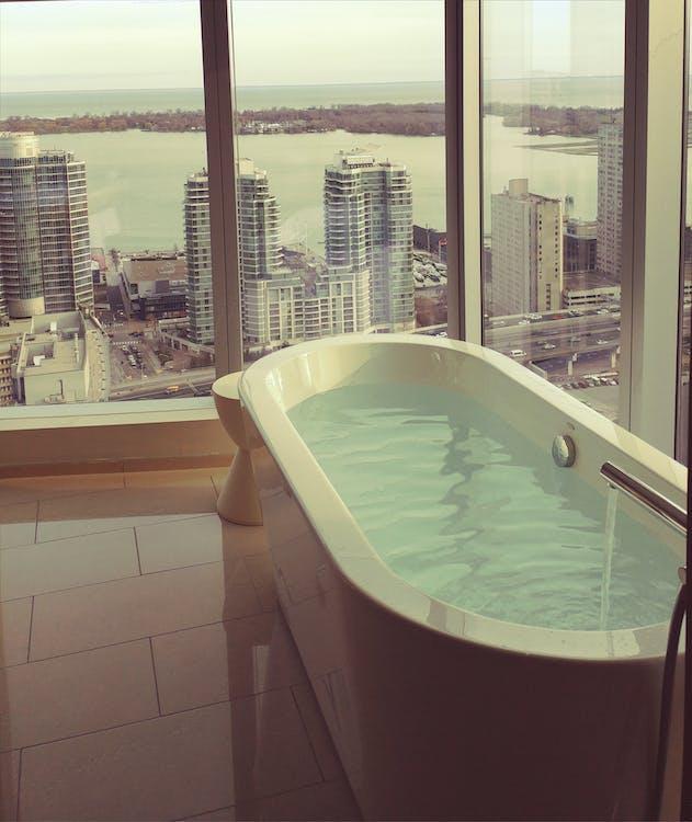 Безкоштовне стокове фото на тему «vacay, ванна, готель»
