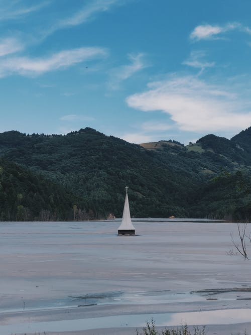 Gratis lagerfoto af bjerg, bjerge, bjergsø, dagslys