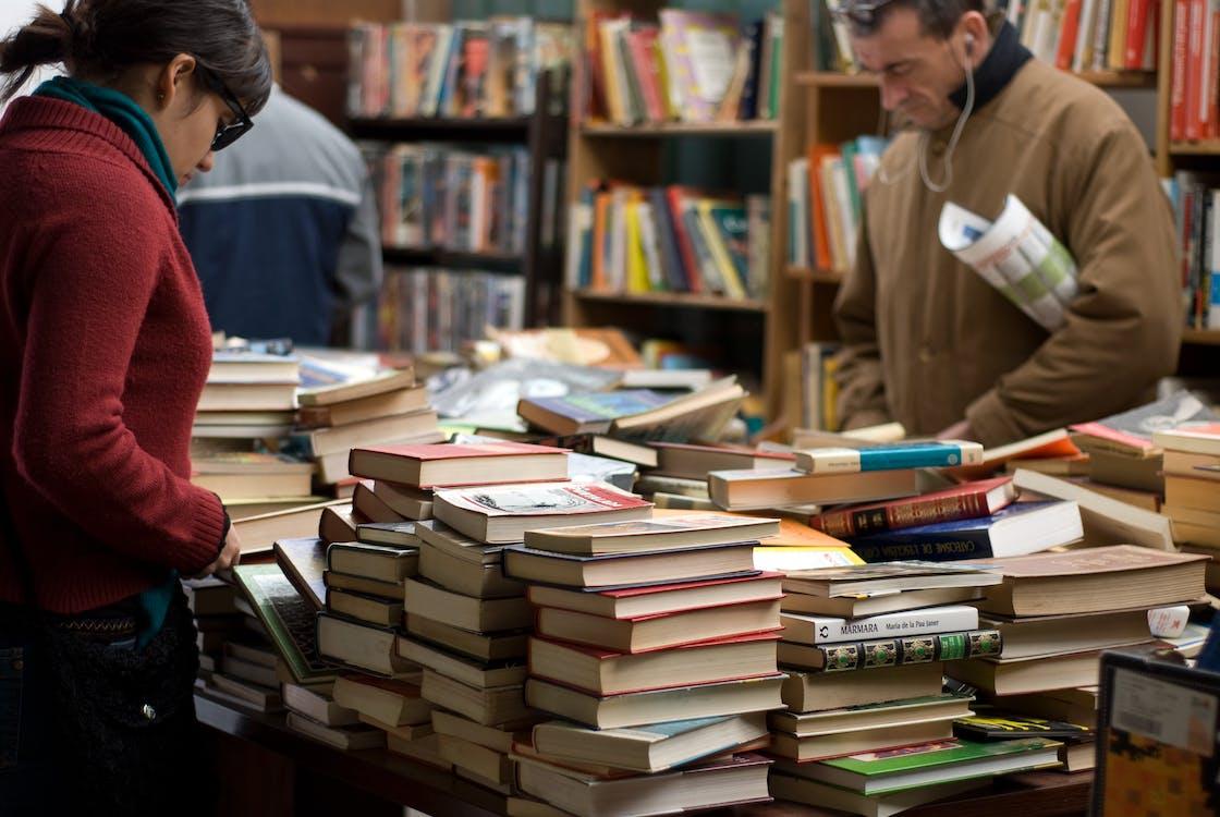 badania, biblioteka, biurko