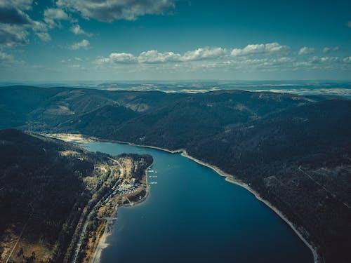 Foto profissional grátis de aerofotografia, cadeia de montanhas, de cima, montanhas