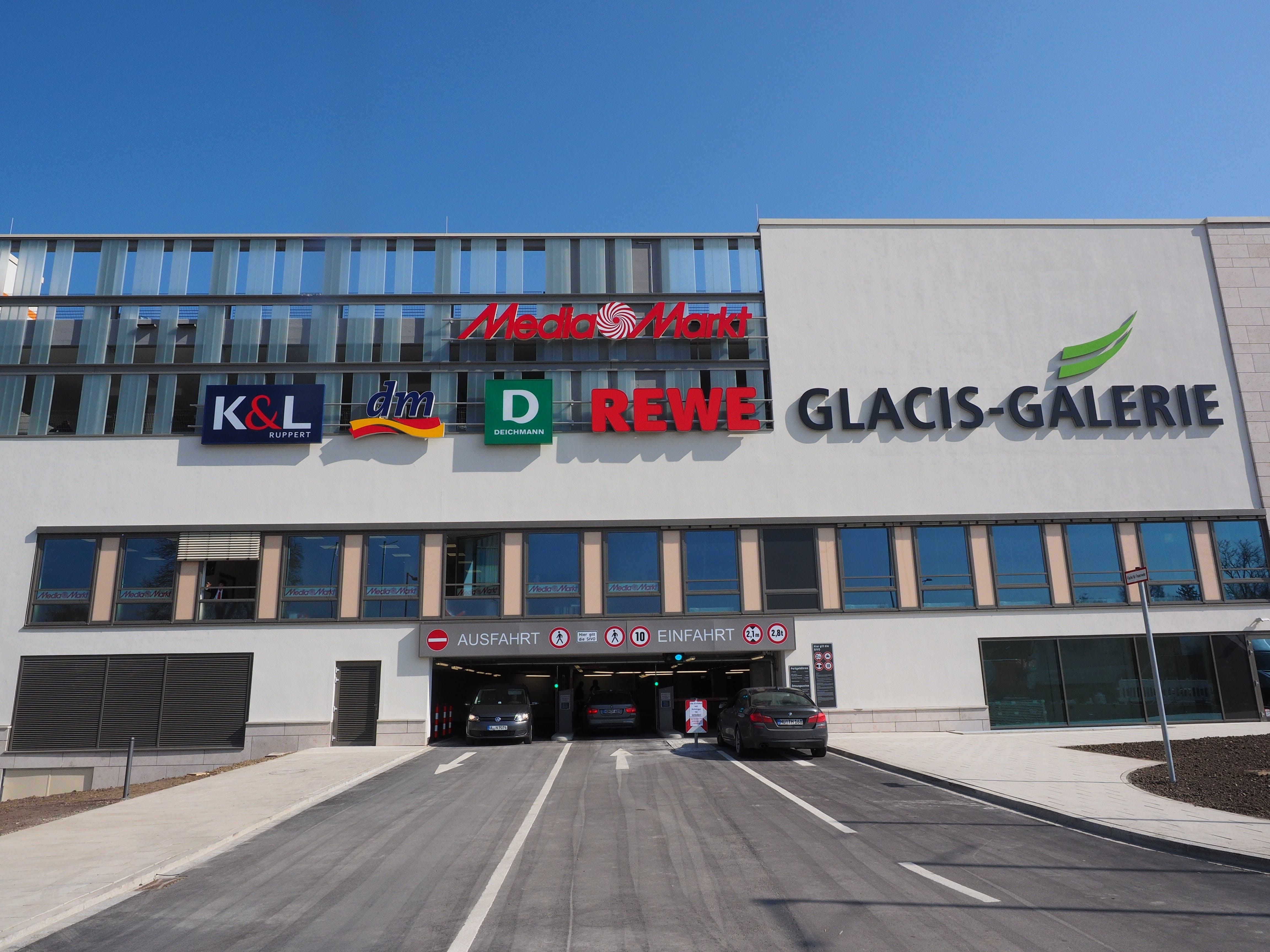 K&l D Rewe Glacis-galareie Store