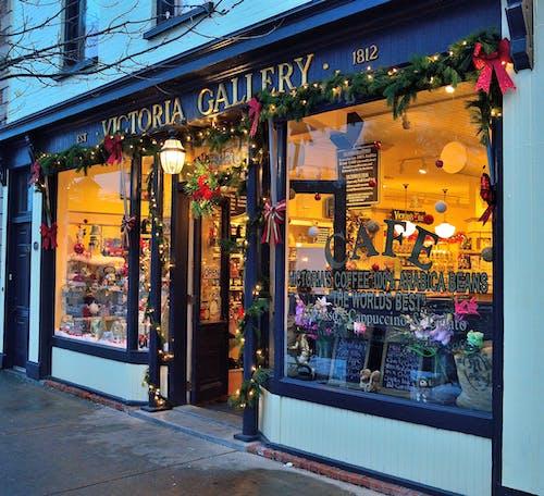 Foto d'estoc gratuïta de arquitectura, bar, botiga, botiga de nadal