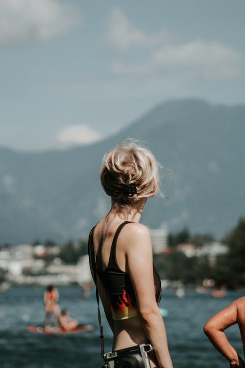 Základová fotografie zdarma na téma cestování, holka, náladový, prozkoumat