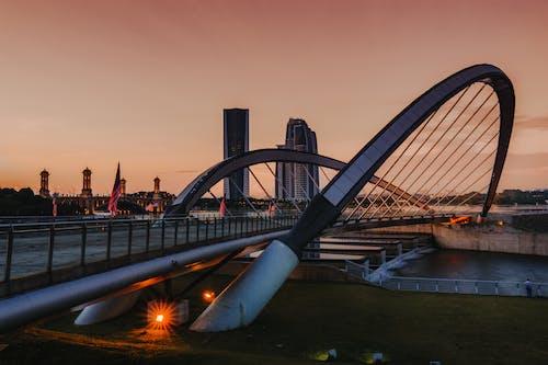 Kostnadsfri bild av arkitektur, bro, byggnad, flod
