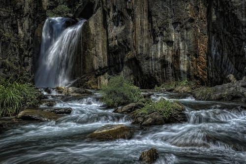 Photos gratuites de accéléré, cailloux, cascade, eau
