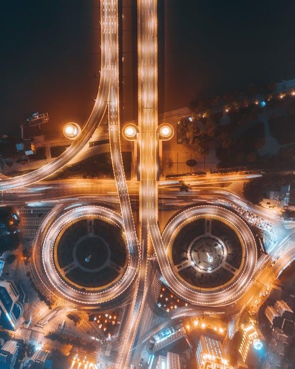 การจราจร, จากข้างบน, ถนน