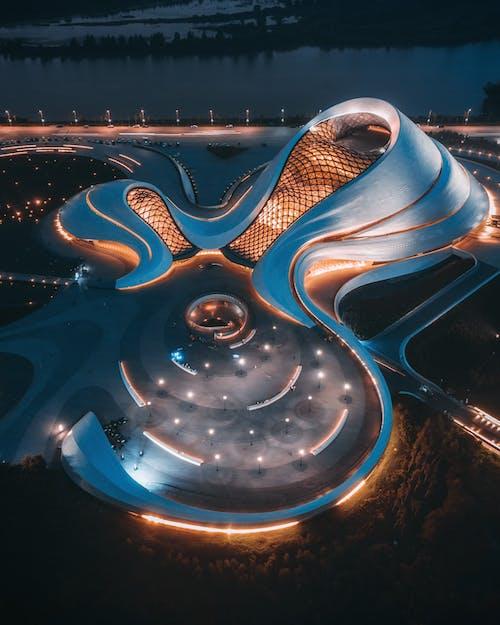 Foto profissional grátis de aerofotografia, arquitetura contemporânea, construção, de cima