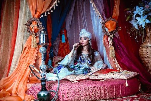 Darmowe zdjęcie z galerii z biżuteria, ceremonia, dama, dziewczyna