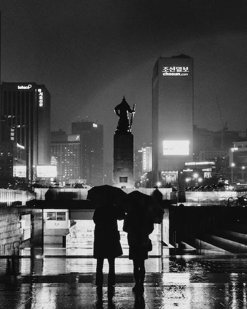 Fotobanka sbezplatnými fotkami na tému centrum mesta, čierna a biela, čiernobiely, čierny abiely