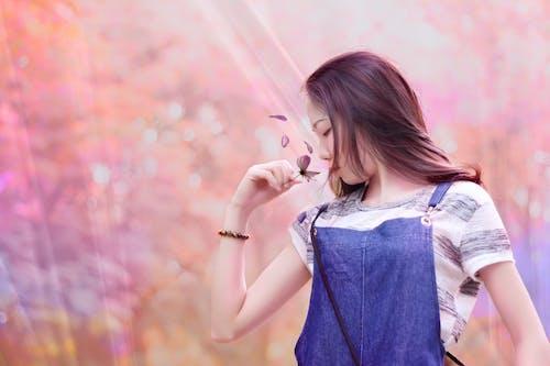Kostenloses Stock Foto zu blumen, dame, erwachsener, fashion